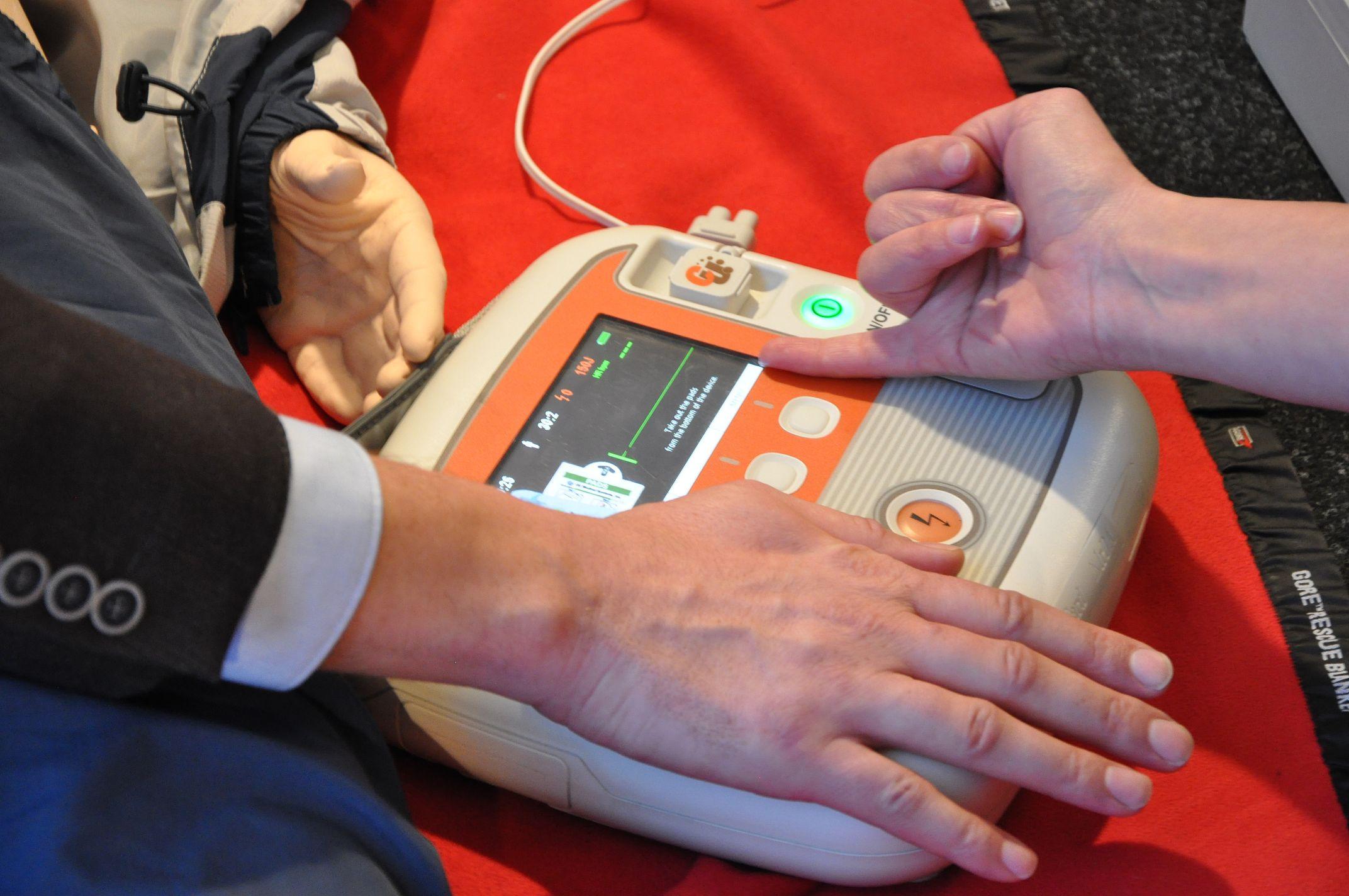 Art of color worrstadt - 09 May 2017 Reetec Is Testing State Of The Art Generation Defibrillators On Several Onshore Sites Bremen Germany Renewablepress Reetec